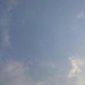 写真: バーベキューと青空