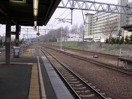 北広島駅ホーム・千歳方向