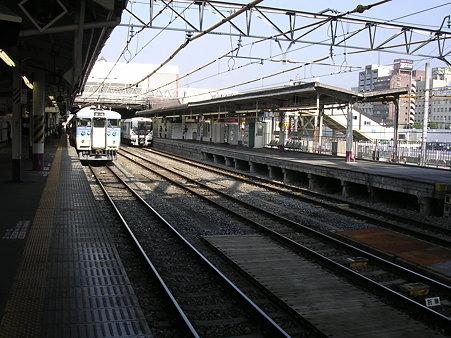 甲府駅ホーム1