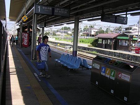 小淵沢駅ホーム