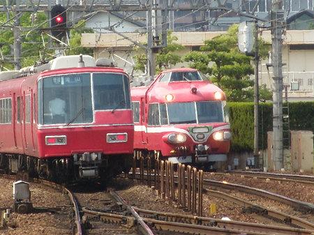 7011Fと5700系並び@神宮前