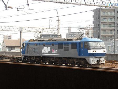 名鉄一宮駅4番線ホーム北端から撮ったEF210ー104