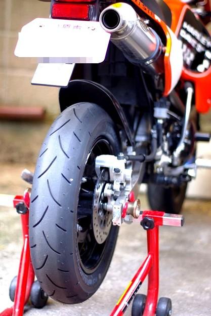 KSR-rear-tyre-change