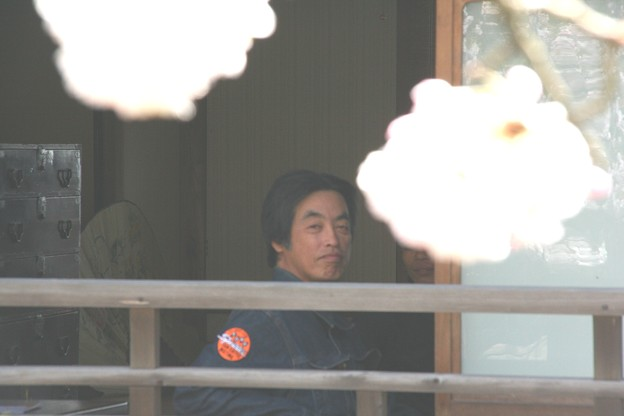 Ryu-chan-staff-photos0003-haikei
