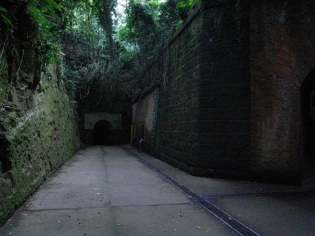 猿島のフランス煉瓦造りのトンネル