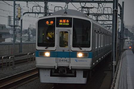 2000形@千歳船橋駅[11/4]