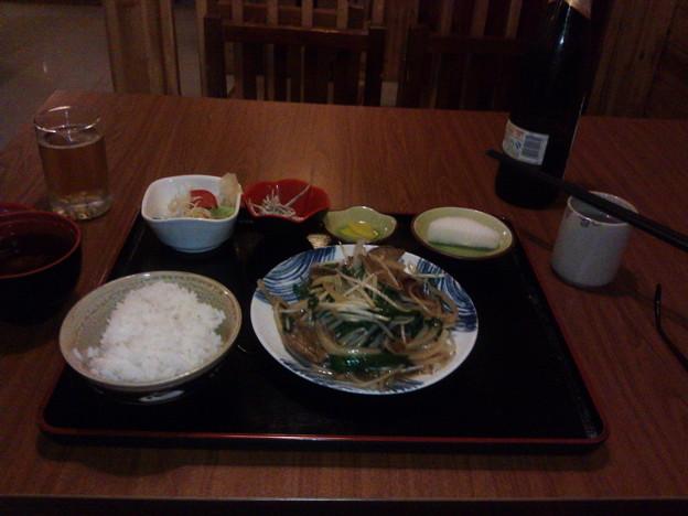 矢作川 レバニラ定食