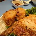 茂名路 越南料理の肉と春巻きとフォーの丼の春巻き