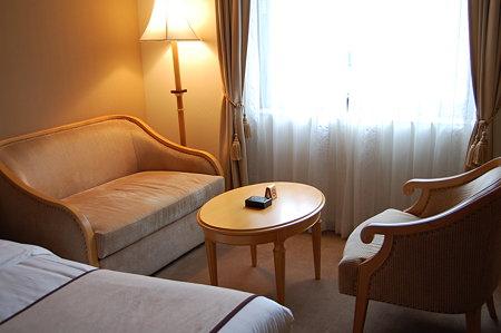 白鳥路ホテル ソファ