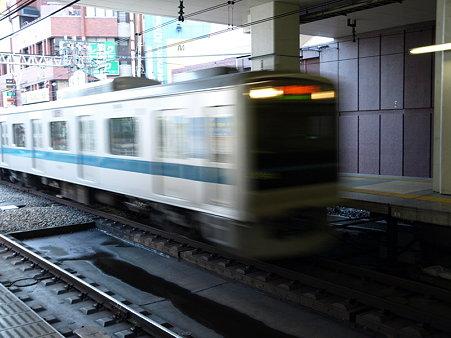 下り電車(小田急町田駅)