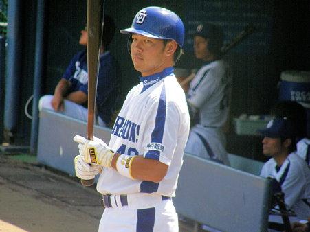 063 澤井は代打のあと、セカンドの守備でした