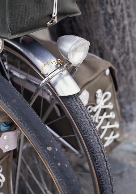 写真: タイヤ交換