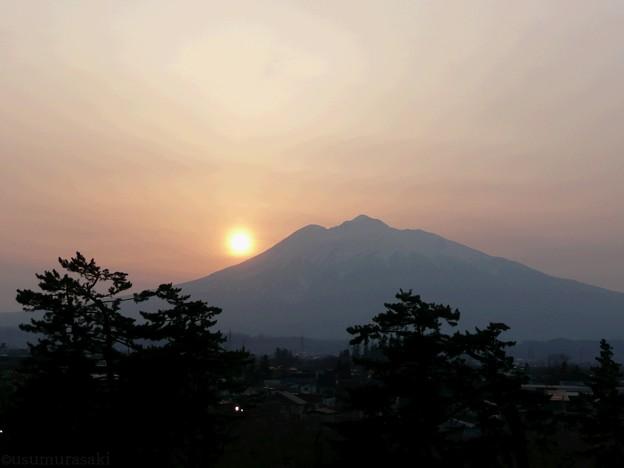 81 落陽-霊峰・岩木山