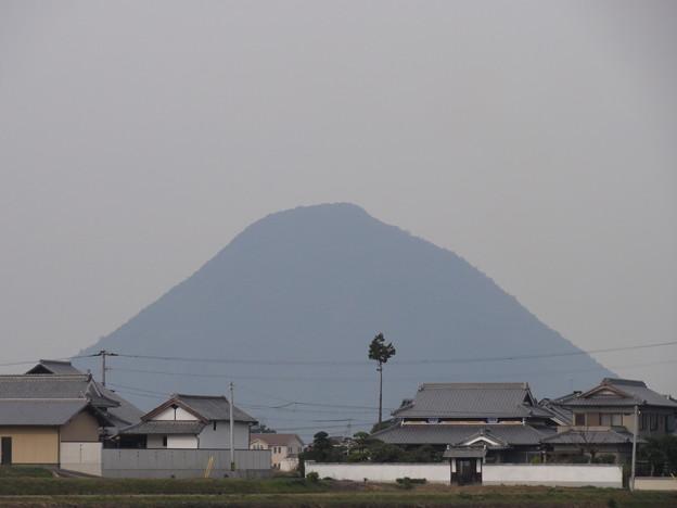 讃岐富士、飯野山