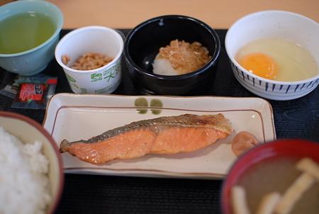 20110501_東名中井PA_朝鮭定食_納豆付き