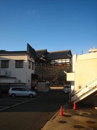 第一駐車場から対潮楼