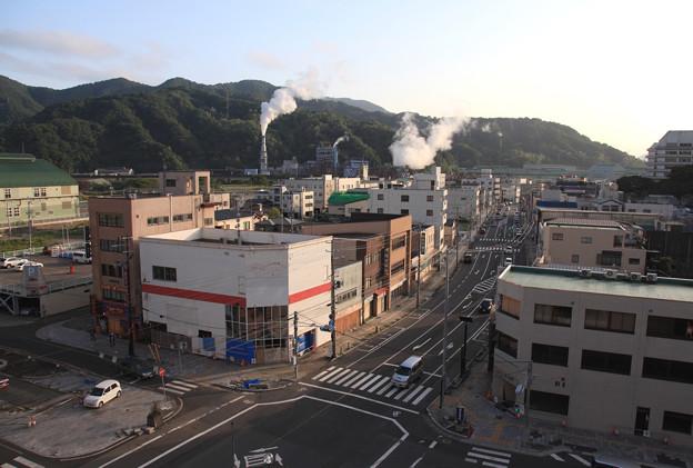 写真: 釜石市街地の夕方