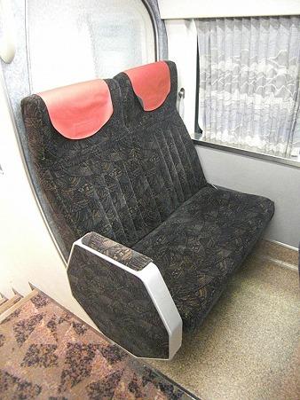 80E-2階固定座席
