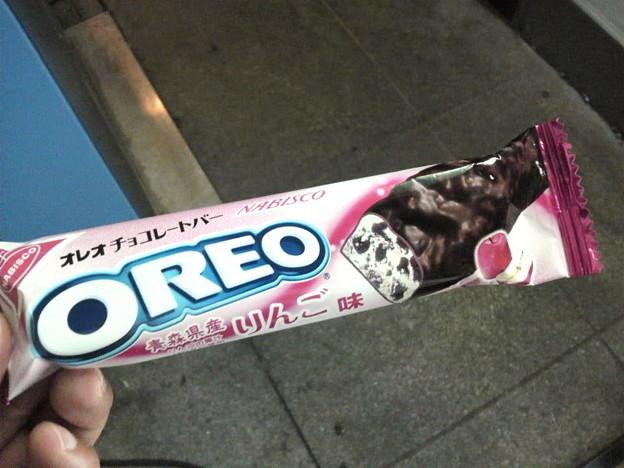 OREOチョコレートバー 青森県産りんご味
