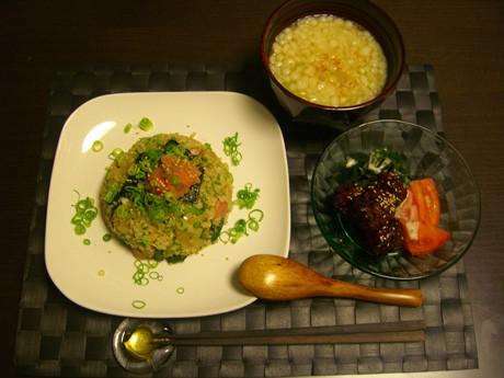 タラコ炒飯の食卓