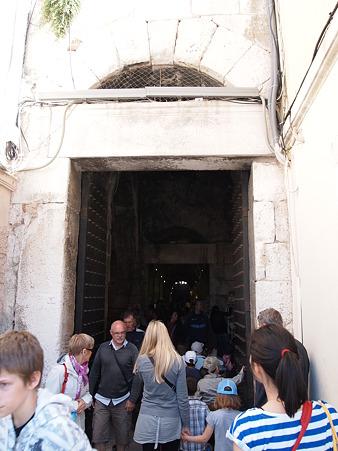 スプリットへの入り口:南門