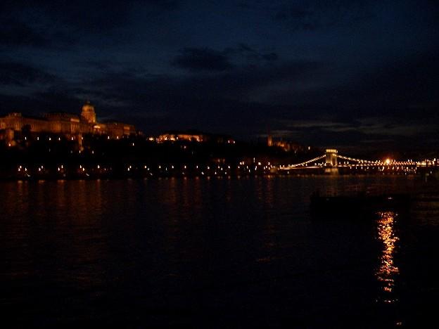 宵闇のブダの王宮とセーチェーニ鎖橋 CIMG0242