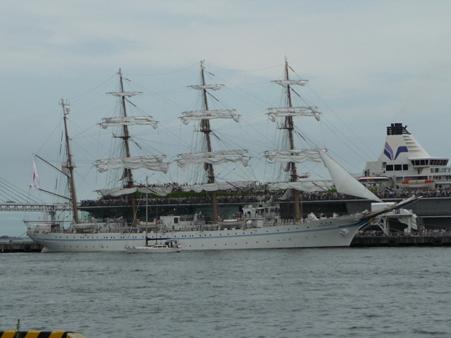 090720-大桟橋 総帆展帆 (25)