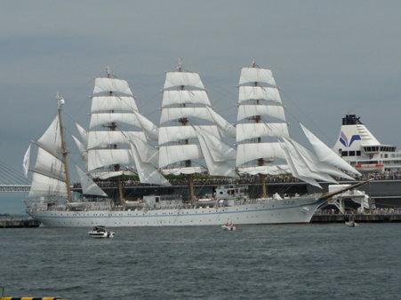 090720-大桟橋 総帆展帆 (49)
