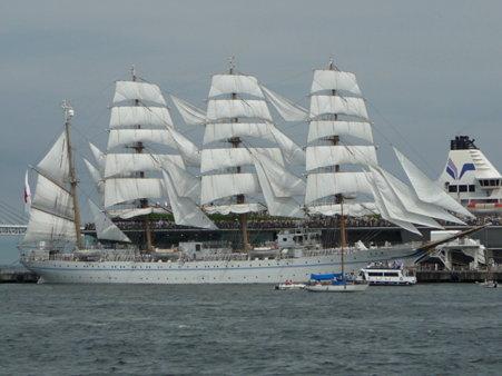 090720-大桟橋 総帆展帆 (51)