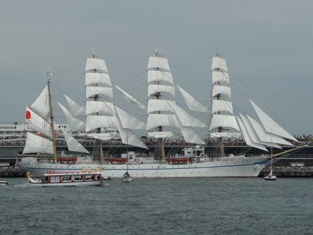 090720-大桟橋 総帆展帆 (46)
