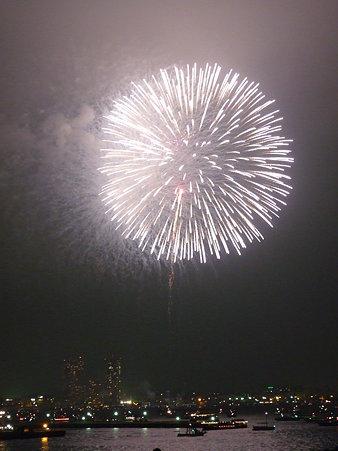 090801-大桟橋 花火 (311)