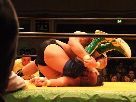 NWA UNヘビー級選手権試合 ハートリー・ジャクソンvs植田使徒 ZERO1 YARISUGI FOREVER 2 後楽園ホール (3)