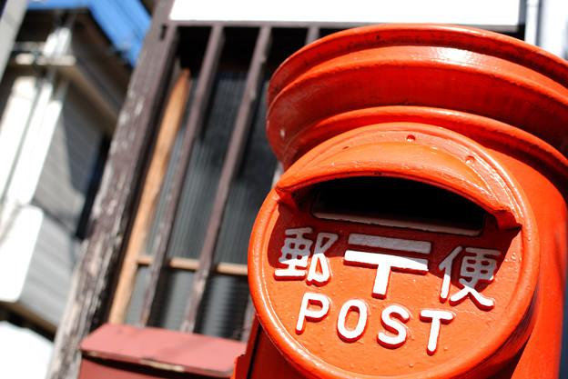 元町の赤ポスト