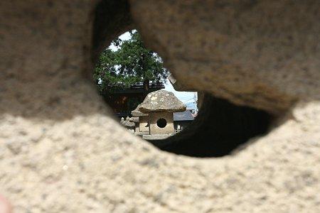 2009.05.23 米沢 上杉家廟所 石灯篭