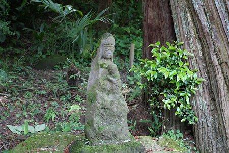 2009.05.25 北鎌倉 淨智寺 赤ちゃんと菩薩石像