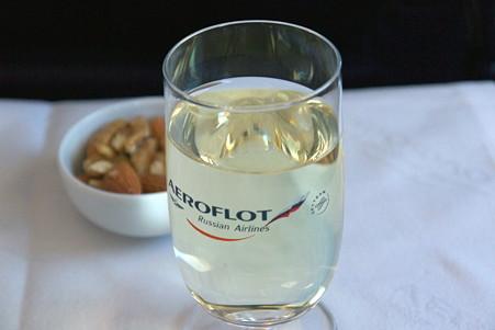 2011.01.29 トルコ→モスクワ SU-0208 先ずはワイン