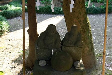 2011.04.10 御霊神社(権五郎神社) 花見の布袋と福禄寿神