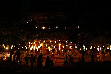 真夏の夜の盆踊り2!090815