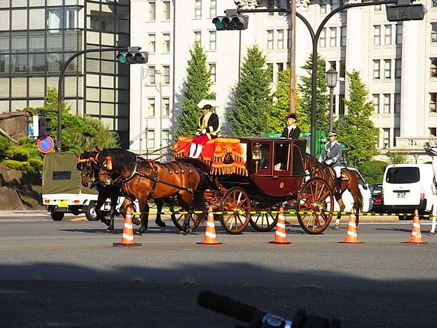 Photos: 馬車が行く2
