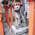 お稲荷さんの狐
