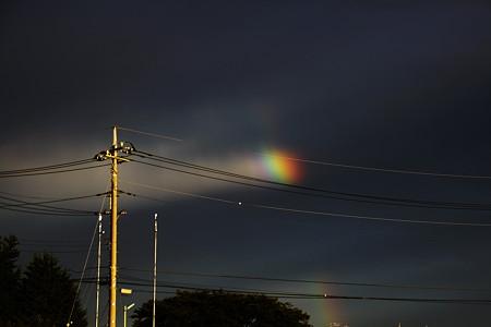 なんともビミョーな虹