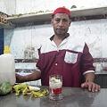 Photos: コクテールを作るジュース屋のおっちゃん